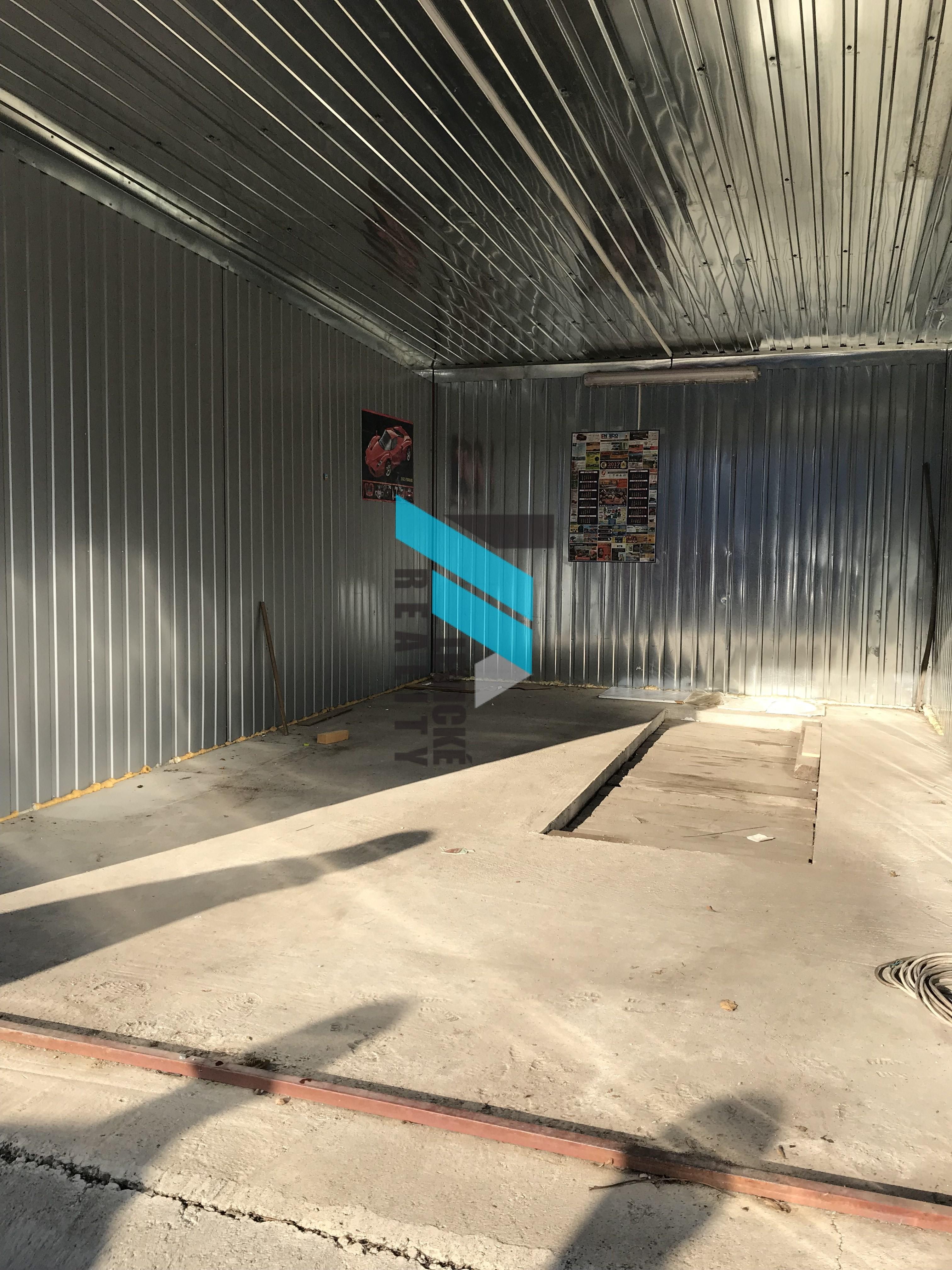 Ponúkam do prenájmu garáž v objekte pod kamerovým systémom.