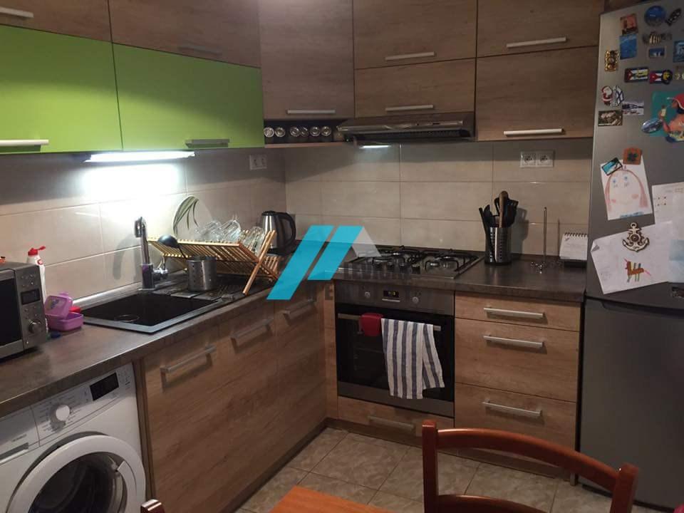Ponúkam Vám na predaj slnečný 3 izbový byt na Dopravnej ulici.