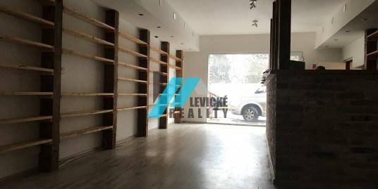 Realitná kancelária Levicke-reality, Vám dáva do pozornosti polyfunkčný objekt pozostávajúci z trojpodlažnej nepodpivničenej budovy.