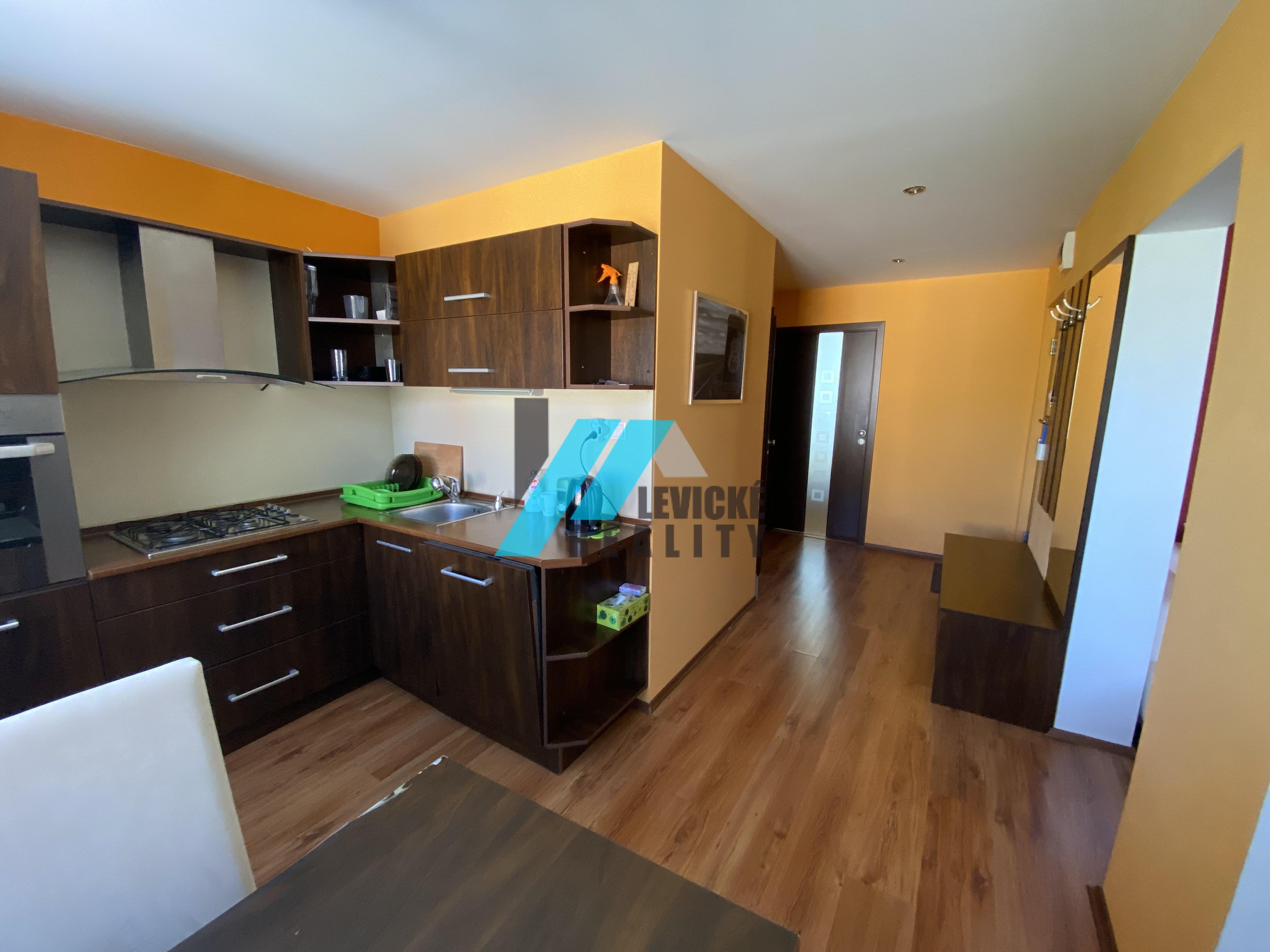 Ponúkam Vám do prenájmu vkusne prerobený 2 izbový byt v tichej lokalite.