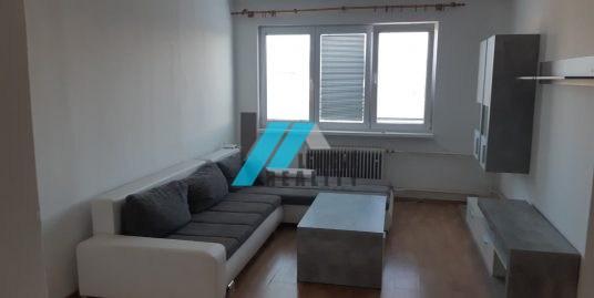 Ponúkam do prenájmu 2 izbový byt na poľnej ulici v Leviciach.