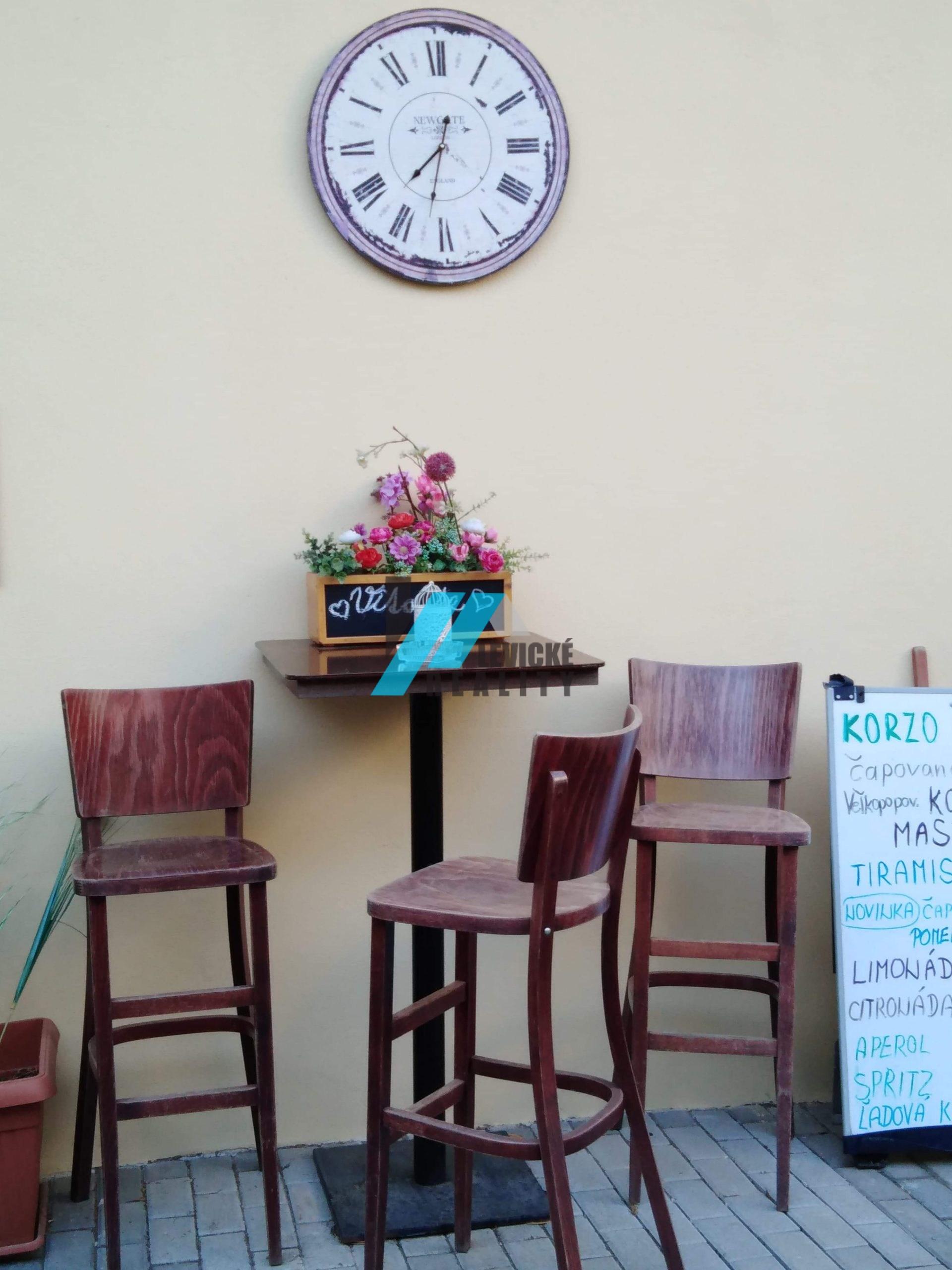 Odstúpenie kaviarne priamo v centre mesta.