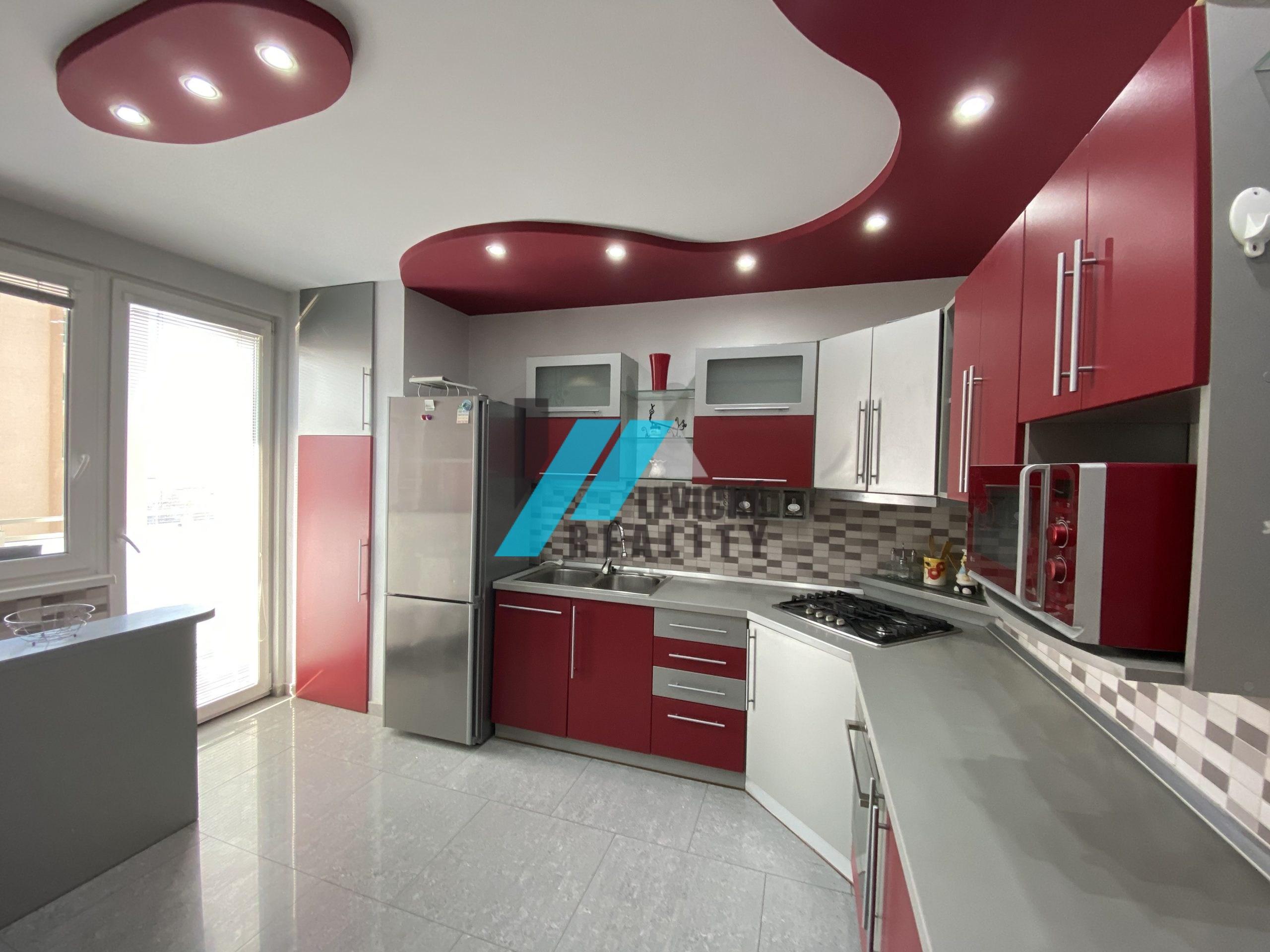 Ponúkame do prenájmu 3 izbový klimatizovaný byt s garážou.