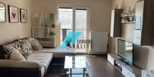 Ponúkam na predaj 2 izbový byt po kompletnej rekonštrukcií.