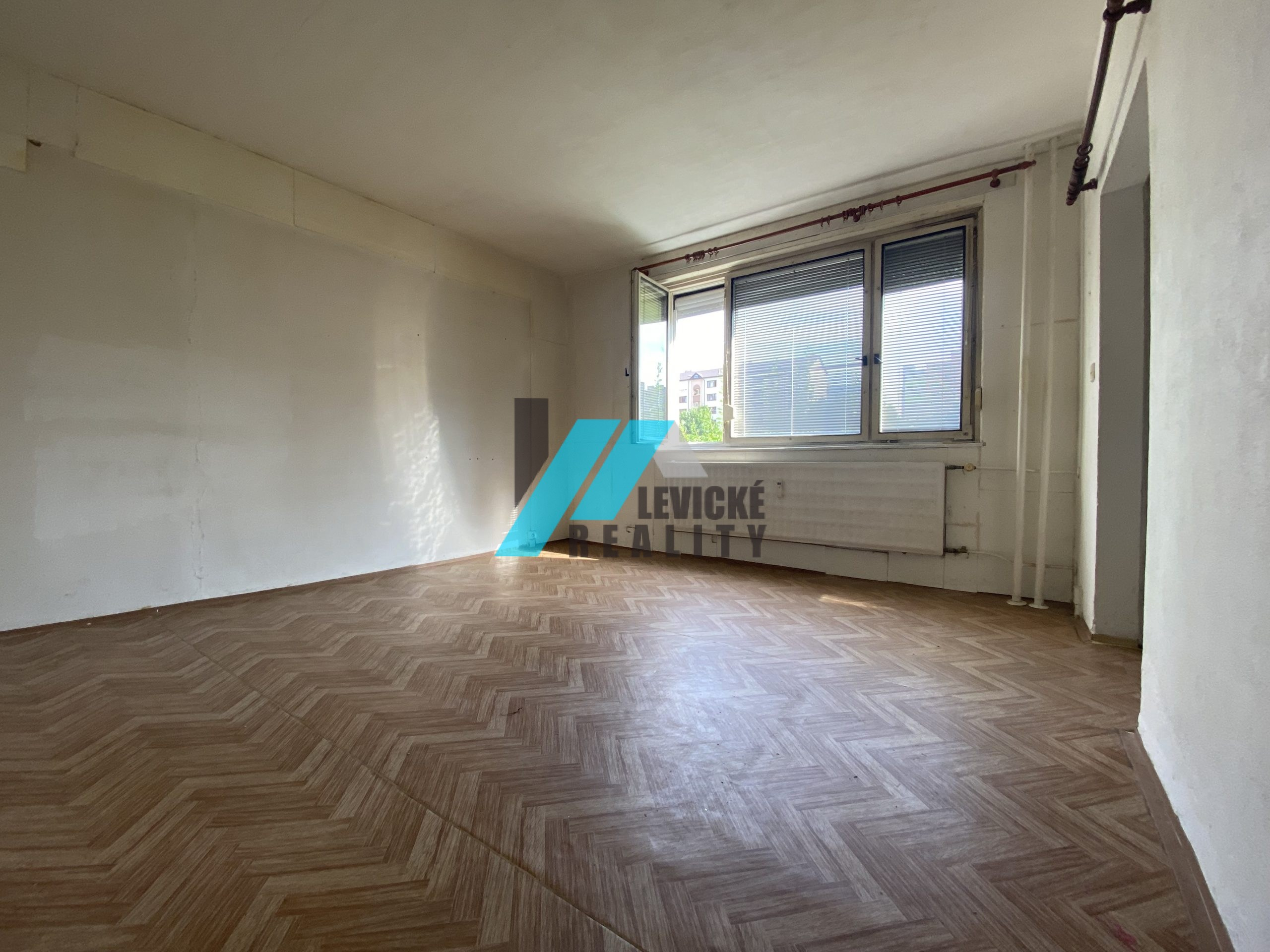 Ponúkame Vám na predaj 1 izbový byt na Palárikovej ulici.