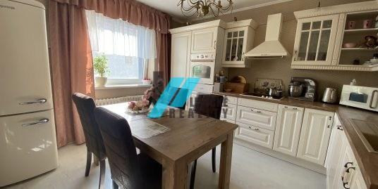 Ponúkame na predaj rodinný dom v obci Hosťovce.